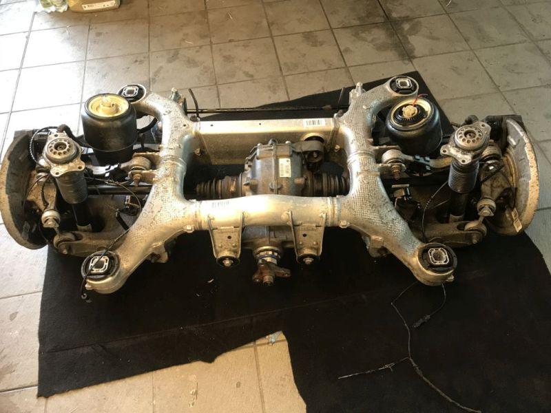 Hinterachse komplett mit Differential + Luftfederung+ BremsenBMW 5 TOURING (F11) 520D